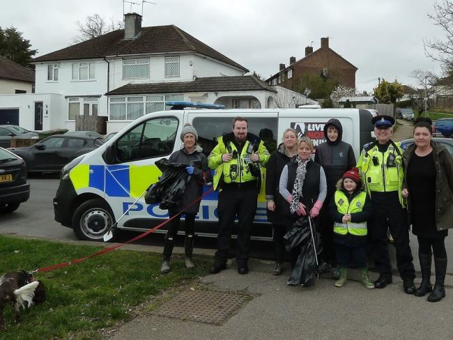 The team who went out to clean the streets of Elstree