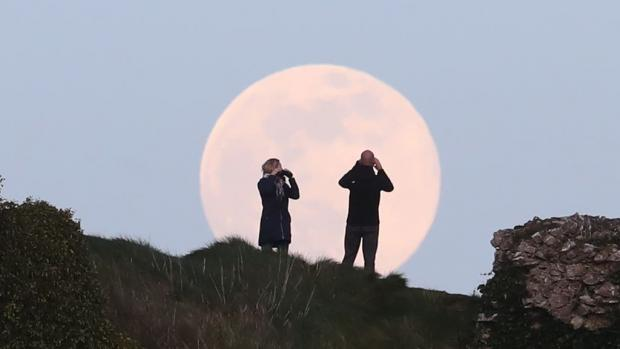 Borehamwood Times: The pink supermoon name is a northern Native American reference to an early-blooming wildflower. (PA)
