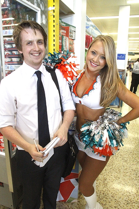 Miami Dolphins cheerleaders appear at supermarket
