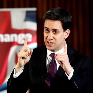 Ed Miliband is to meet French President Francois Hollande in paris