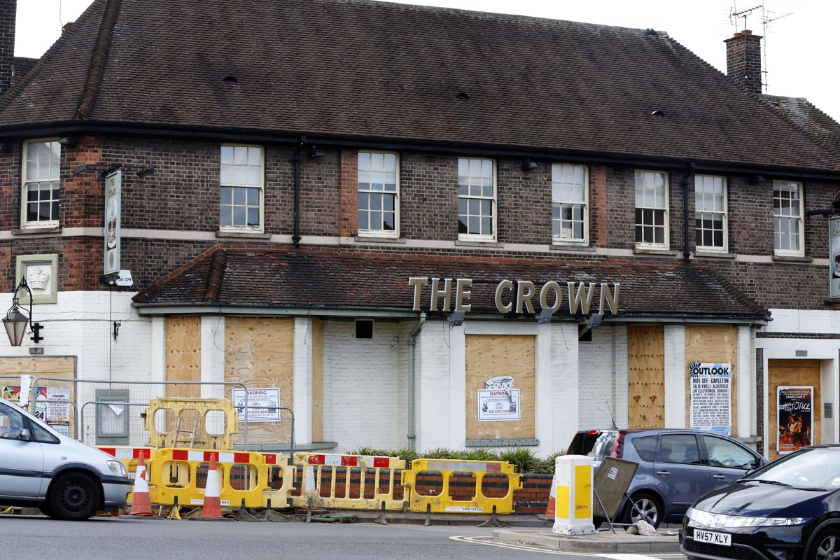 Woodhall Land applied to Hertsmere Borough Council for planning permission to demolish and redevelop The Crown Pub, in Shenley Road