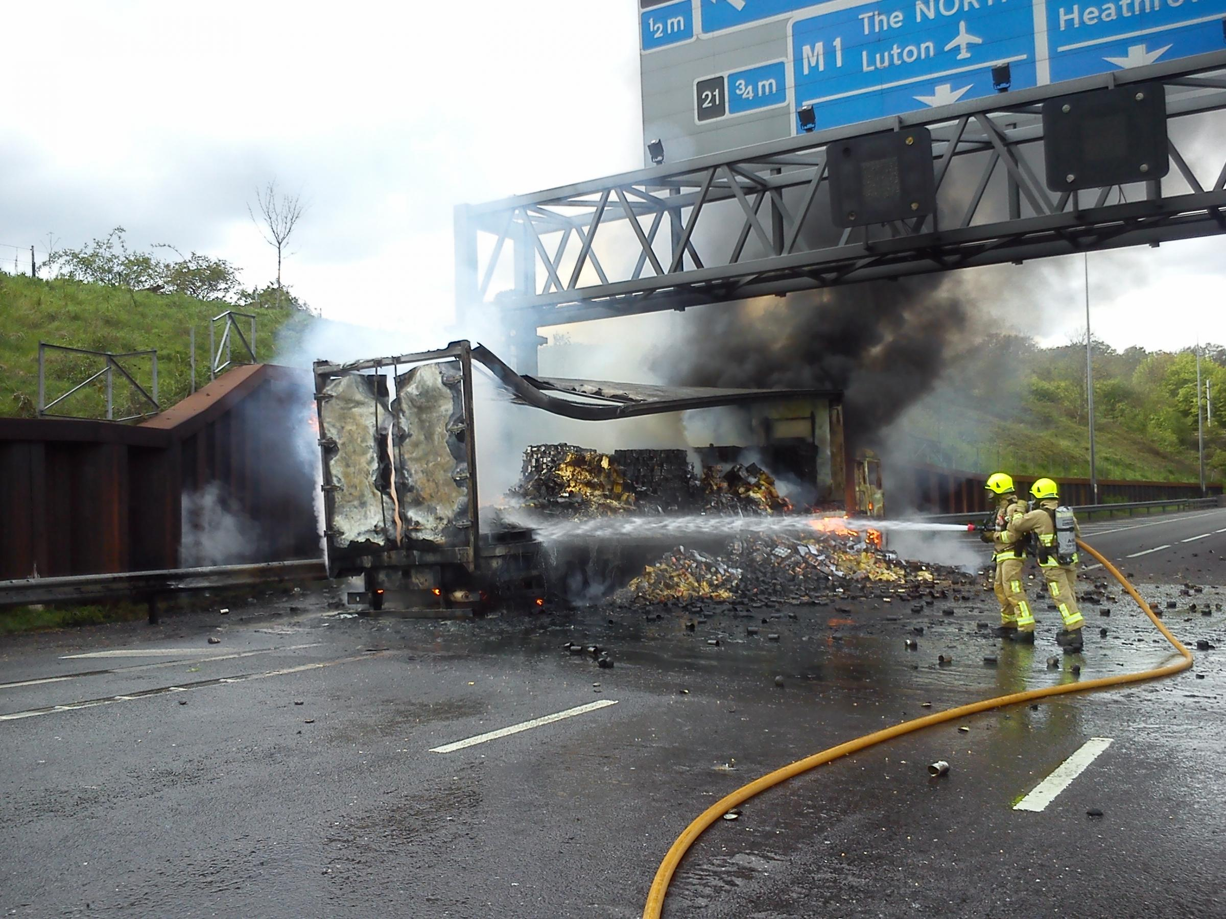 Fruit and veg explodes in M25 lorry fire