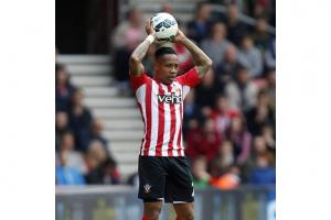 United drop Clyne interest