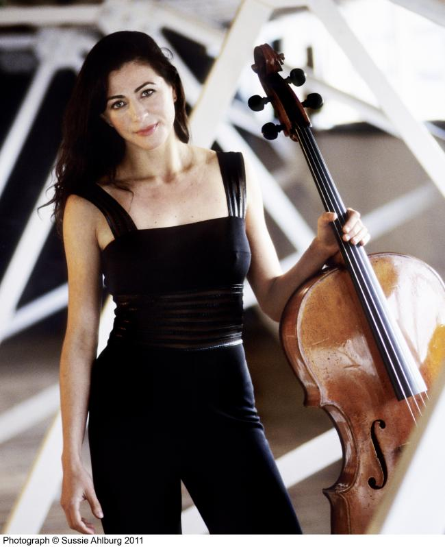 Natalie Clein from the Czech National Symphony Orchestra, photo by Sussie Ahlburg