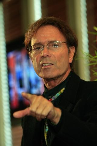 Sir Cliff finds a friendly face in the crowd