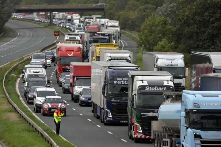 Monday morning rush affecting M25 traffic