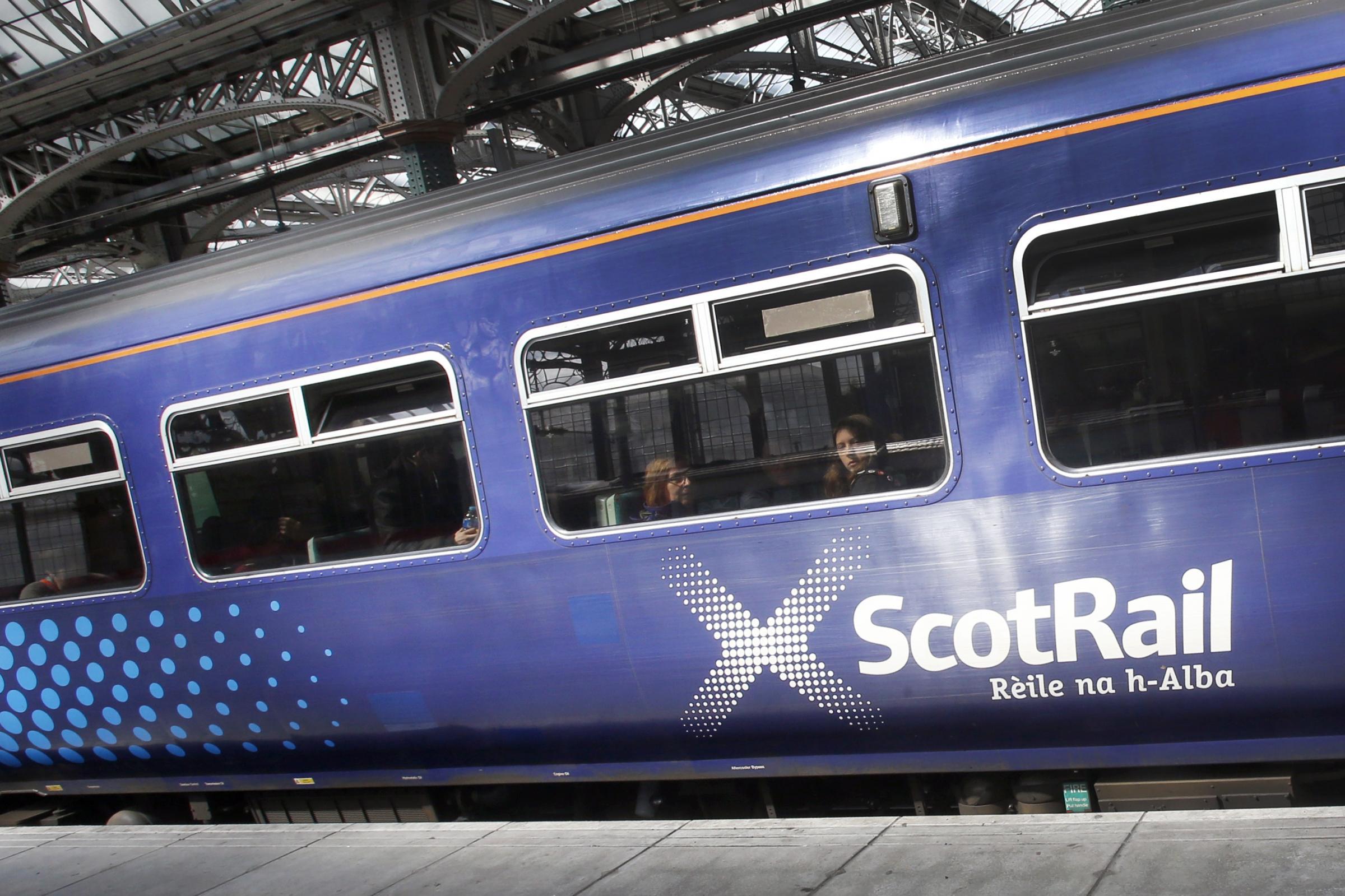 Scottish Labour urges end to 'failed' rail privatisation