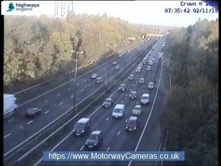 Traffic on M1 southbound at j5. Credit: Highways England