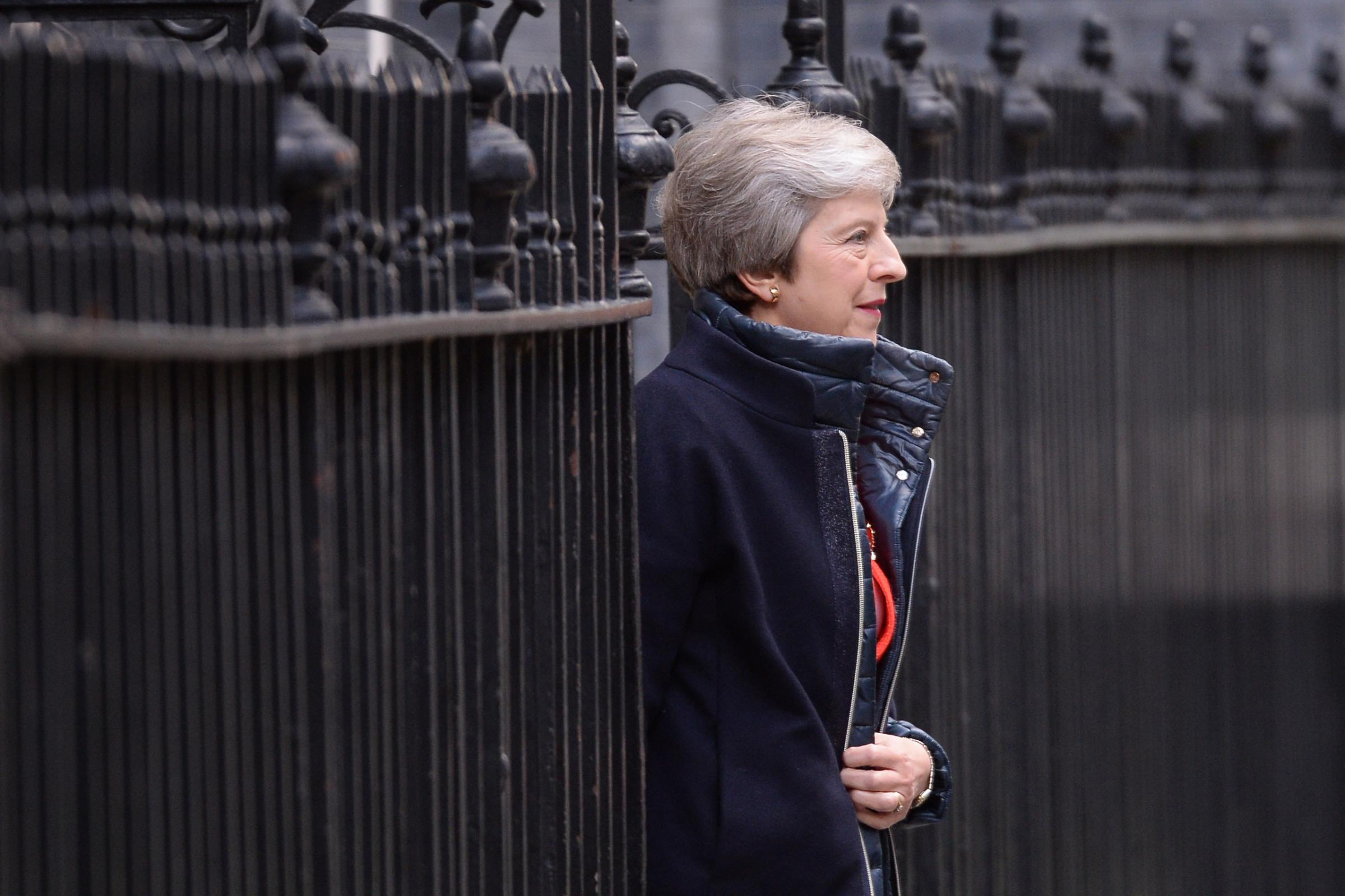 May faces Brexiteer fury as Cabinet prepares to consider deal