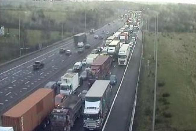 Traffic News: M25 chaos caused by collision